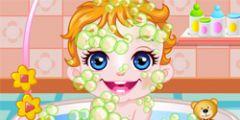 Banyoda Bebek Yıkama oyunu Resim fotoğraf